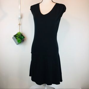 Athleta Jersey cap sleeve dress with zip pockets